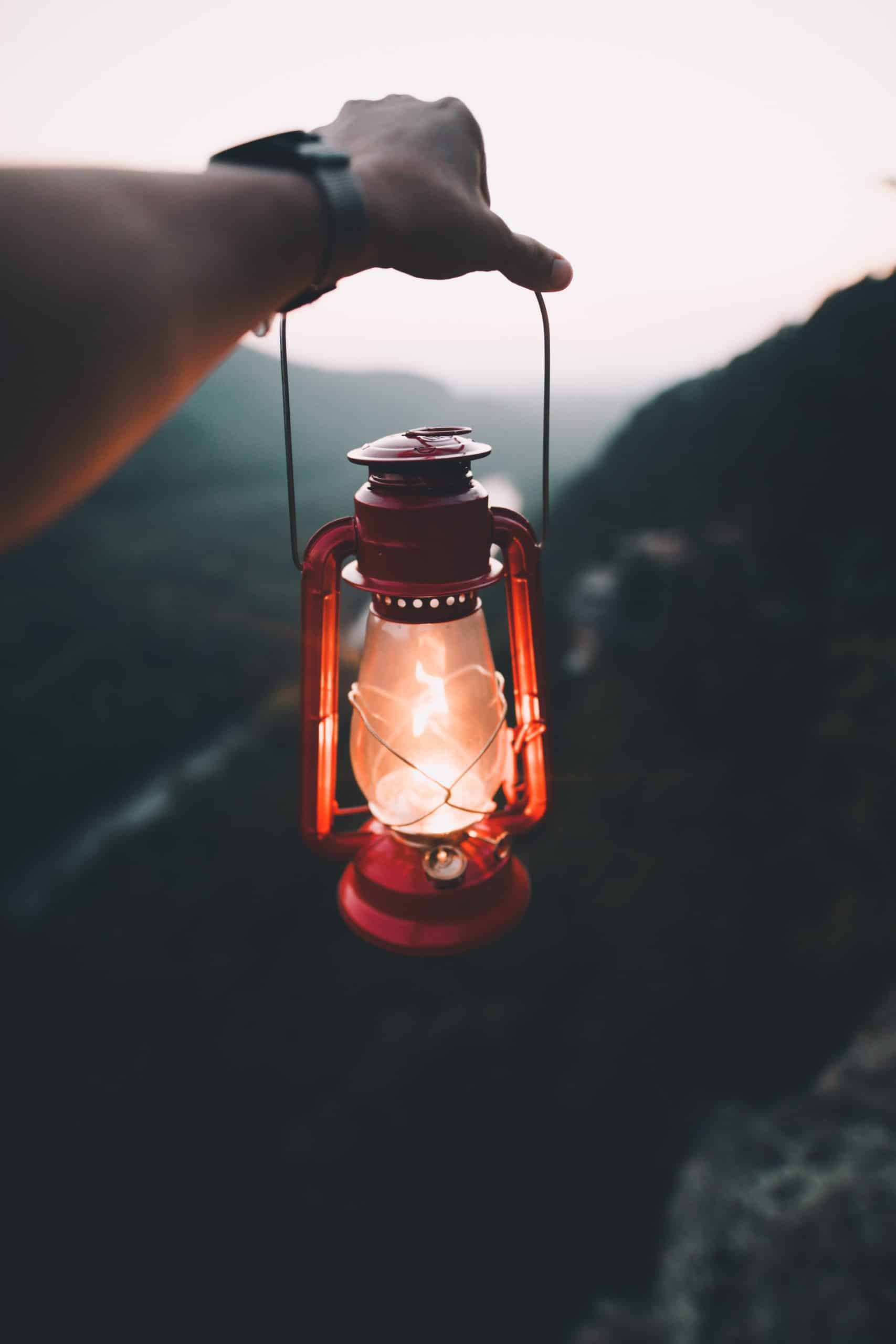 Camping Lantern: Guide To Find The Best One